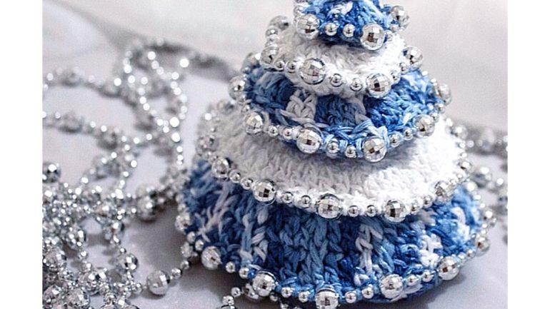 Crochet New Year Tree